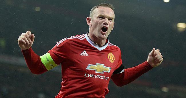 Manchester United'a Rooney'den kötü haber