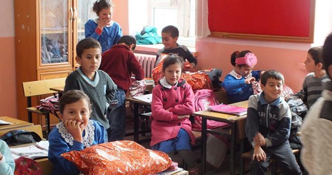 Konya'da ilkokul öğrencilerinden duygulandıran proje