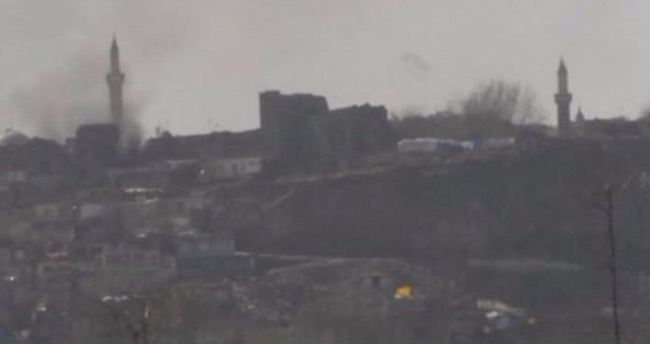 Diyarbakır Sur'da çöken binada 3 asker şehit oldu!