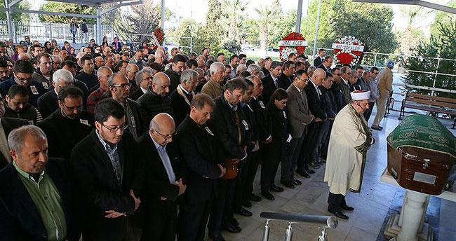 Eski AA Genel Müdürü Karaismailoğlu toprağa verildi