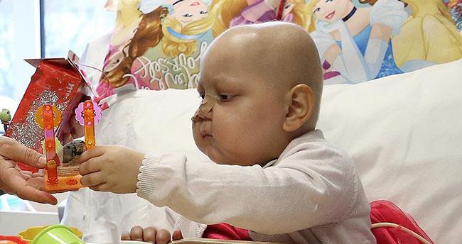 Kemik iliği aranan küçük Bade için Almanya'da kampanya