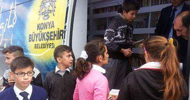 Gezici Kütüphane Akşehir'de
