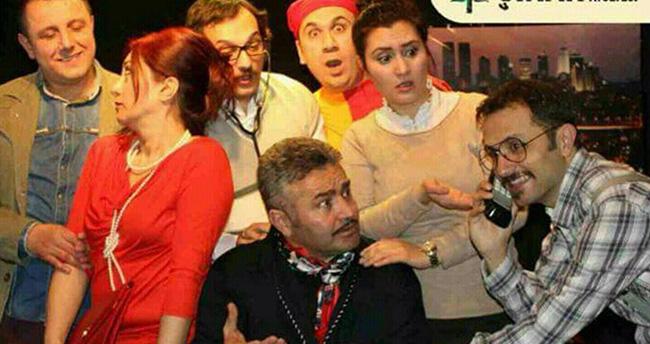 Konya Devlet Tiyatrosu'nda Salaklar Sofrası sahnede