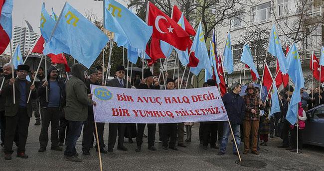 Rusya'nın Kırım'ı işgali protesto edildi