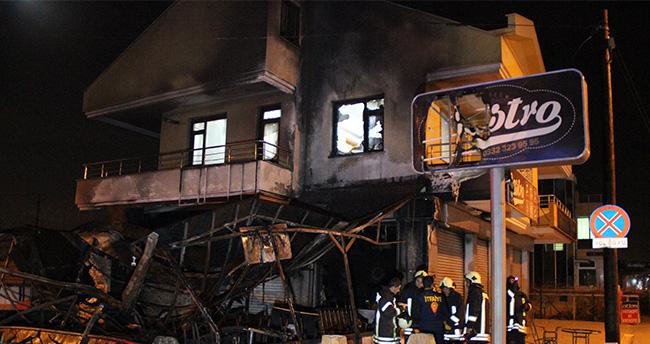 Konya'da yanan kafe kullanılamaz hale geldi