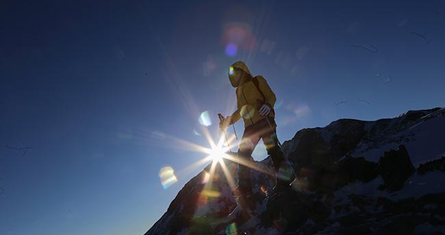 Konyalı dağcılar şehitleri zirvede andı