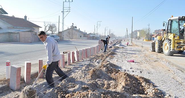Karatay'ın en uzun caddesinde çalışmalar sürüyür