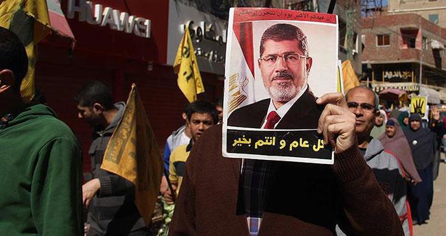 Mısır'da tutuklulara destek gösterisi