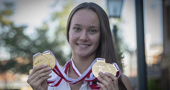 Milli yüzücü Viktoria Zeynep Güneş altın madalya kazandı