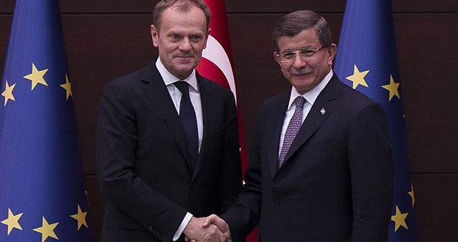 AB-Türkiye Zirvesi'nde sığınmacı krizi ele alınacak