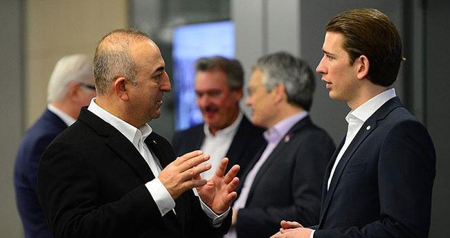 Dışişleri Bakanı Çavuşoğlu, Kurz ile görüştü