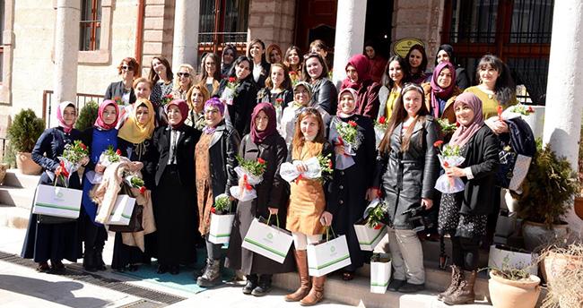 Başkan Toru, Konyalı bayan gazetecilerle buluştu