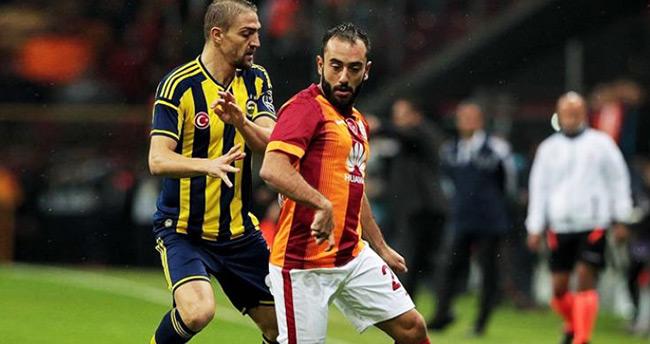 Galatasaray – Fenerbahçe derbisinin saati değişti!
