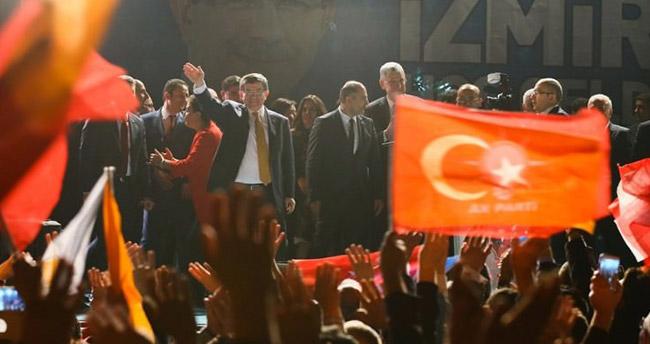 Başbakan Davutoğlu'ndan İzmirlilere köprü sözü