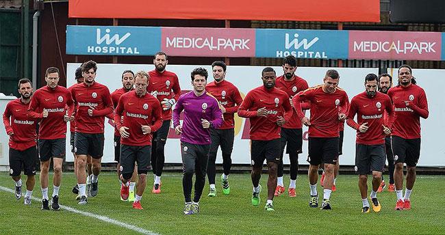 Galatasaray'da Muslera ve Chedjou takımla çalıştı