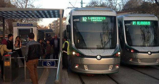 Konya'da tramvayda şüpheli paket ihbarı
