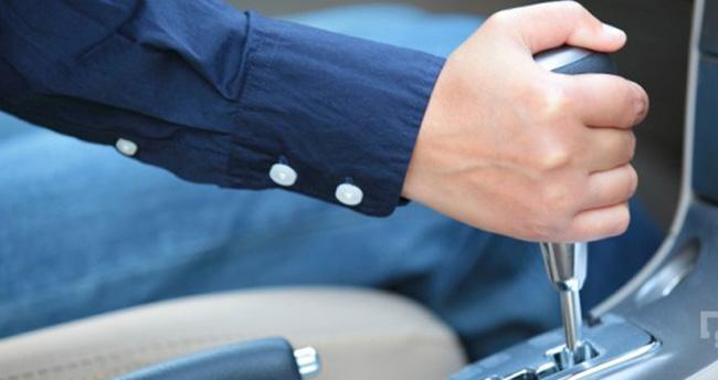 Erkeklerin yüzde 24.3'ü otomatik vitesli araç tercih ediyor
