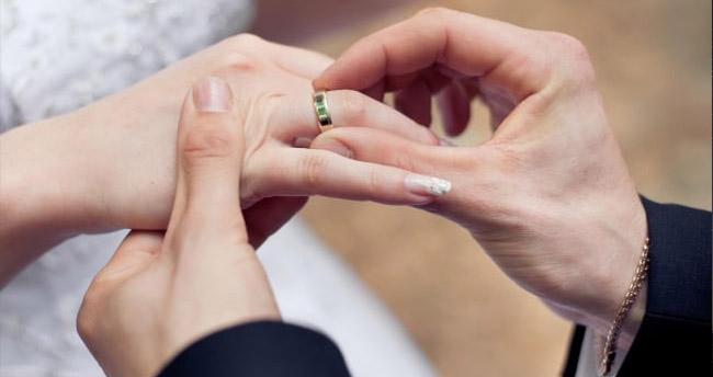 Evlenene çiftlere 40 bin lira çeyiz desteği