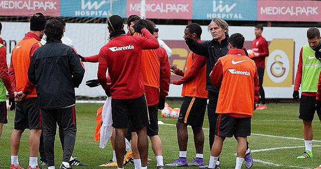 Galatasaray'da Riekerink işbaşı yaptı