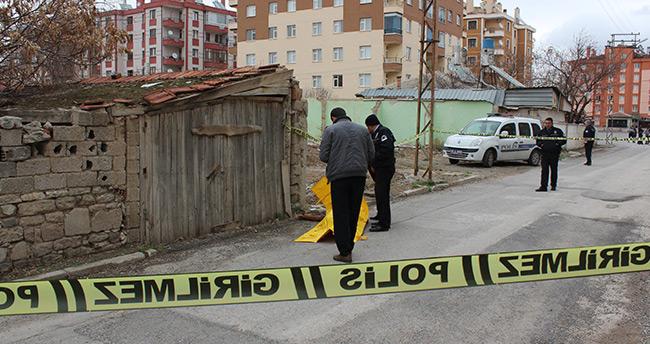 Konya'da 19 yaşındaki genç sokak ortasında ölü bulundu