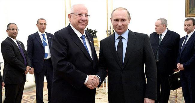 Putin ile Rivlin Kremlin'de bir araya geldi