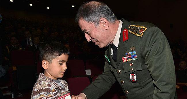 Genelkurmay Başkanı Akar şehit çocuklarını kabul etti