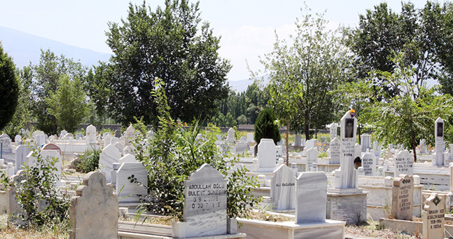 Konya'da mezarlıkta kesik bacak bulundu
