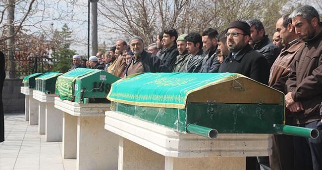 Konya'daki faciada hayatını kaybeden baba ve oğulları toprağa verildi