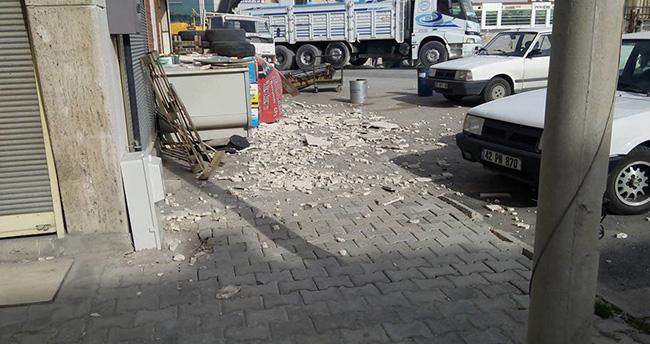 Konya'da rüzgar Aykent'te çatıları uçurdu
