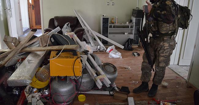 """PKK'nın Yüksekova'daki """"patlayıcı imalathanesi"""" imha edildi"""