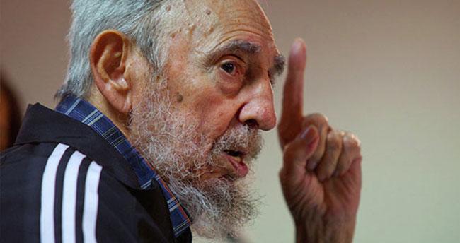 Fidel Castro'dan Obama'ya: Hediyelerinize muhtaç değiliz