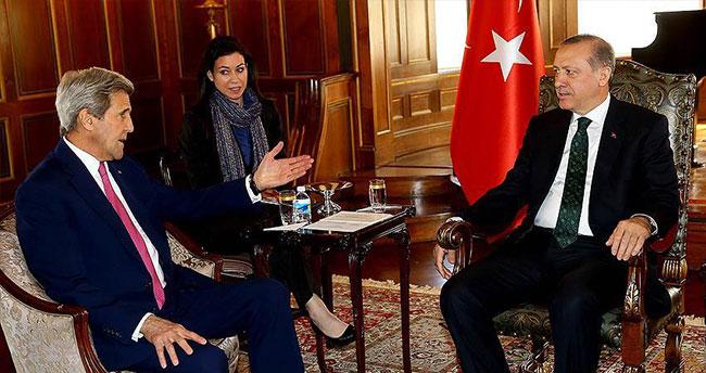 Cumhurbaşkanı Erdoğan John Kerry'i ile görüştü