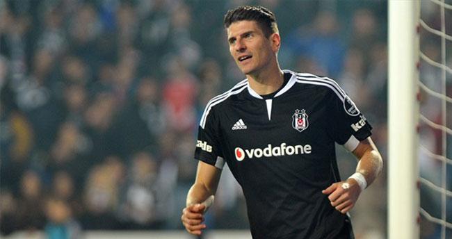Gomez'de mutlu son!