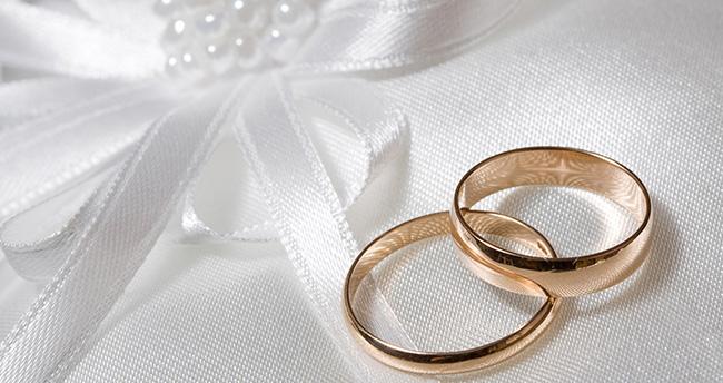Evlenene 10 bin lira