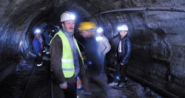 Madenciler yer altında eylem başlattı