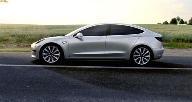 Tesla Model 3 Tesla'nın tek umudu!