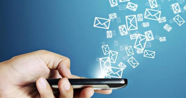 'SMS yeniliğe yenik düştü'