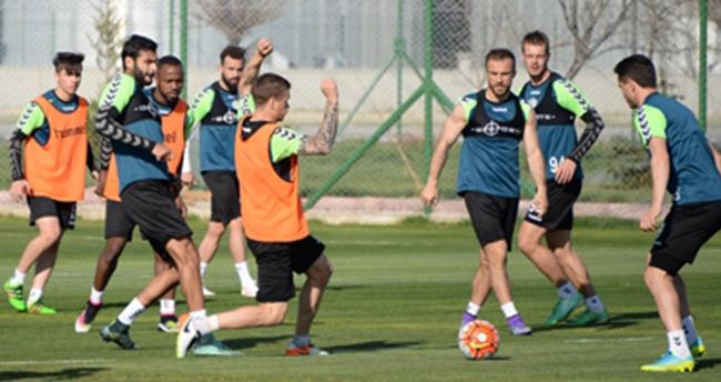 Torku Konyaspor'da Fenerbahçe maçı hazırlıkları