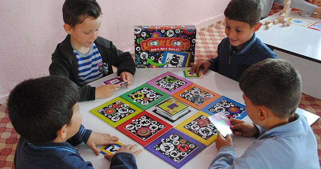 Akıl oyunları odasıyla zihinlerini geliştiriyorlar