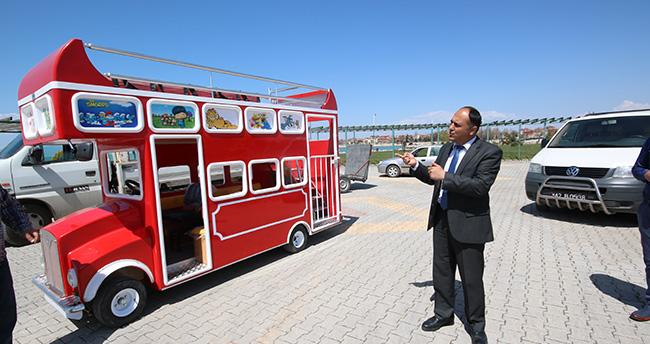 Konya'da çocuklara özel 'london bus' gezi otobüsü