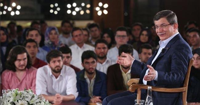 #AhmetHocaGençlerle etiketi twitter'da gündem oldu