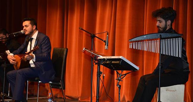 Selçuk Üniversitesi'nde Türk Halk müziği konseri