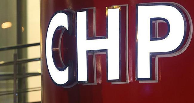 CHP'de 3 belediye başkanına 'ihraç'