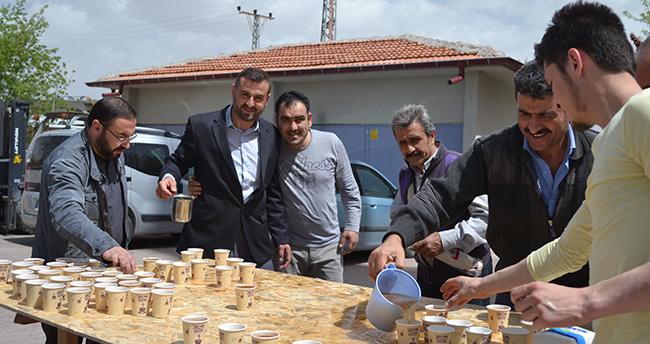 Mar-San Sanayi Camii Cemaatine Bal Şerbeti İkramı