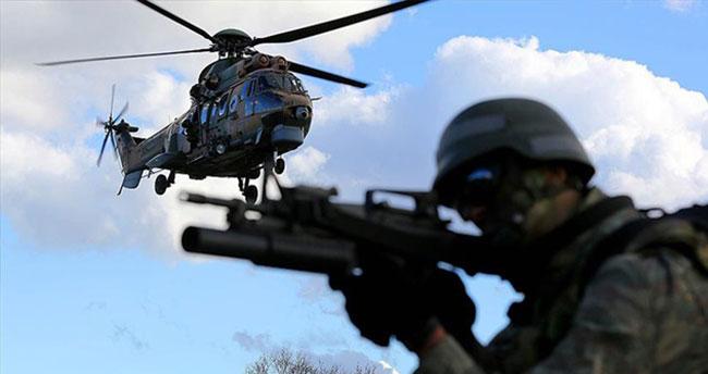 Kars'ta teröristlerle çatışma: 2 asker yaralı