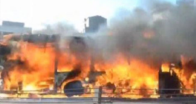 Metrobüste yangın! Seferler durduruldu…
