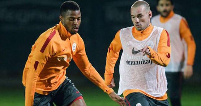 Sneijder, Donk'u fırçaladı!