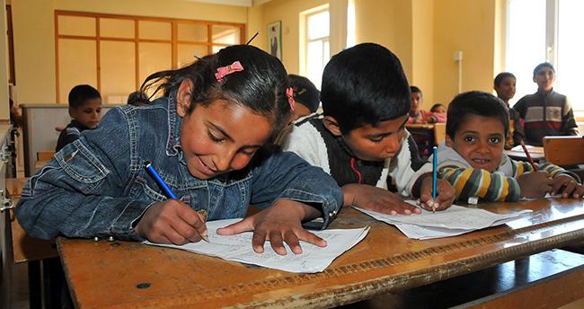 Suriyeli çocuklar için öğrenim merkezi açıldı