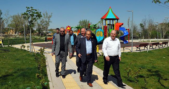 Milletvekili Baloğlu Engelsiz YaşamMerkezi'ni gezdi