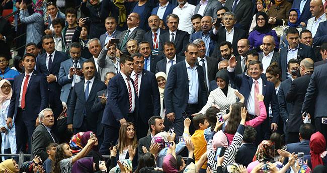 Başbakan Davutoğlu Konya'da ölümden döndü!
